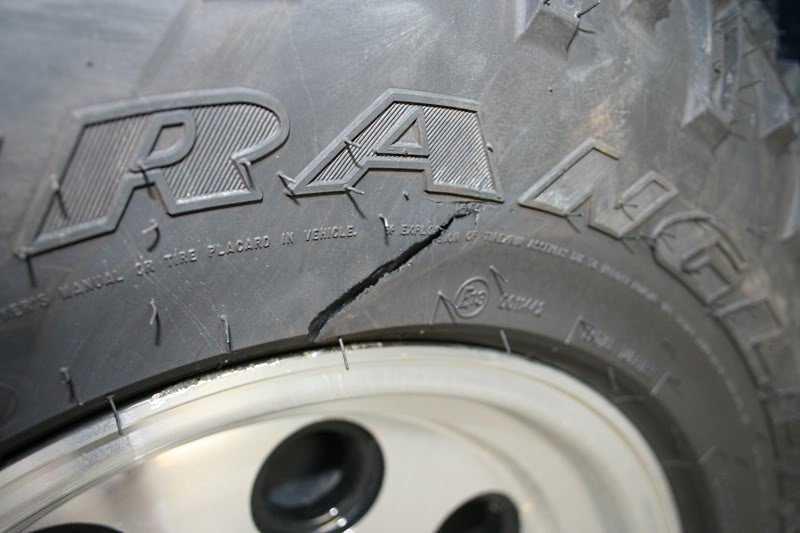 Боковой порез шины: ремонт или замена? Можно ли отремонтировать?