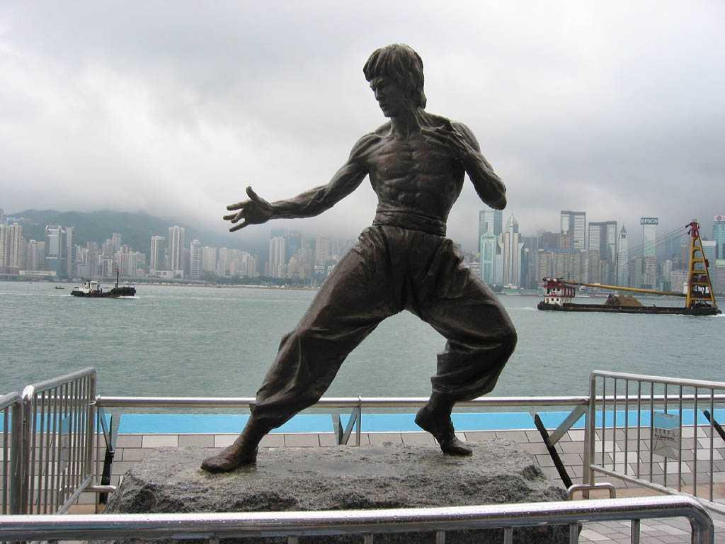 Памятники Брюсу Ли: где находятся