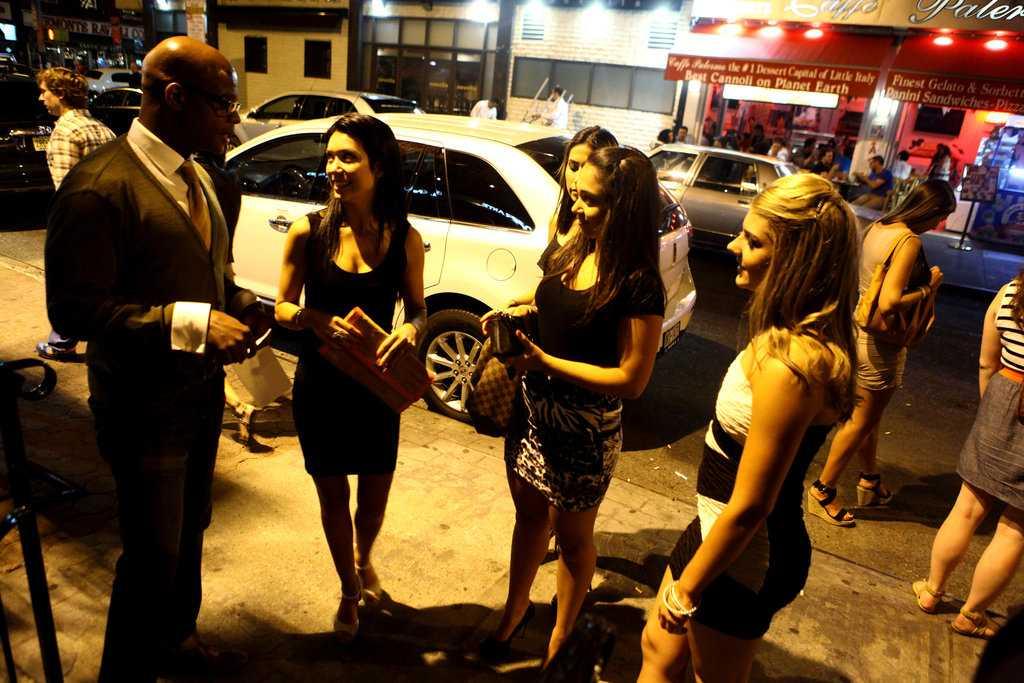 вакансии фейс контроля в ночном клубе