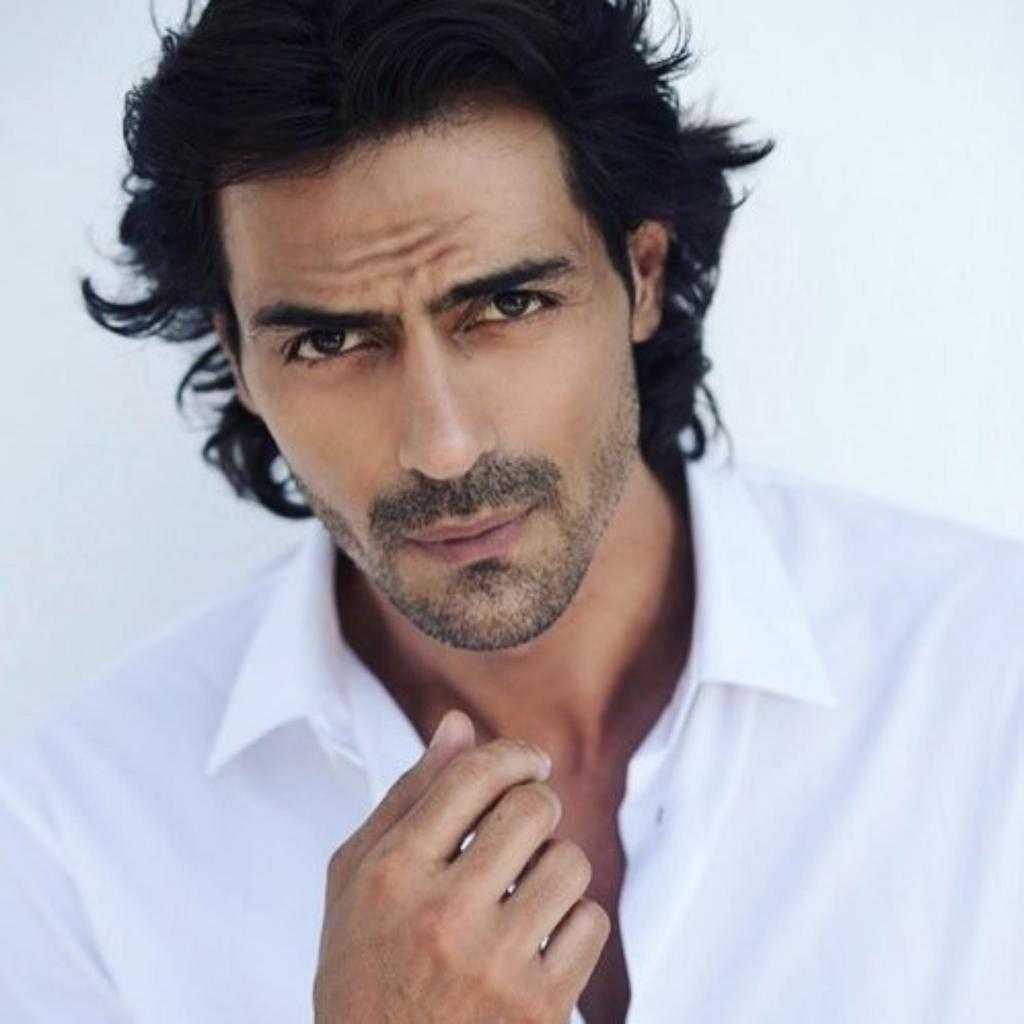 Красивые индийские мужчины: описание внешности и фото