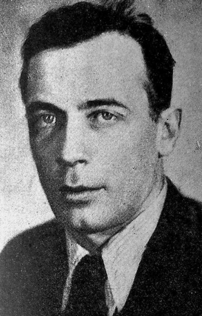 Владимир Владимирович Дмитриев – художник и декоратор театра